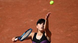 Clara Burel, lors du premier tour de Roland-Garros, le 30 mai 2021. (ANNE-CHRISTINE POUJOULAT / AFP)