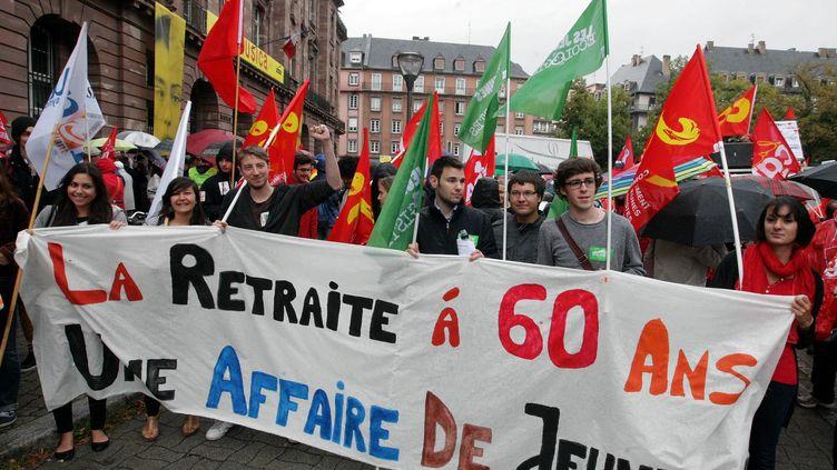 Des jeunes manifestent contre la réforme des retraites, le 10 septembre 2013 à Strasbourg (Bas-Rhin). ( MAXPPP)