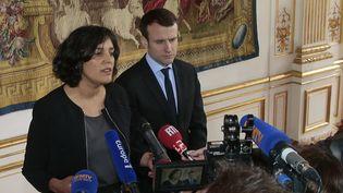 La ministre du Travail, Myriam El Khomri, et le ministre de l'Economie, Emmanuel Macron, après une rencontre avec les partenaires sociaux sur la réforme du Code du travail, le 7 mars 2016 à Paris. (JACQUES DEMARTHON / AFP)