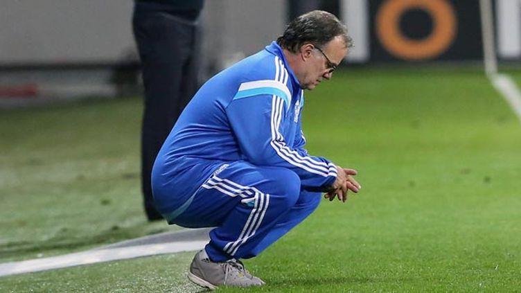 (Marcelo Bielsa, l'entraîneur de Marseille, n'a pas réussi à hisser son équipe en Ligue des Champions © PHOTOPQR/LA PROVENCE)