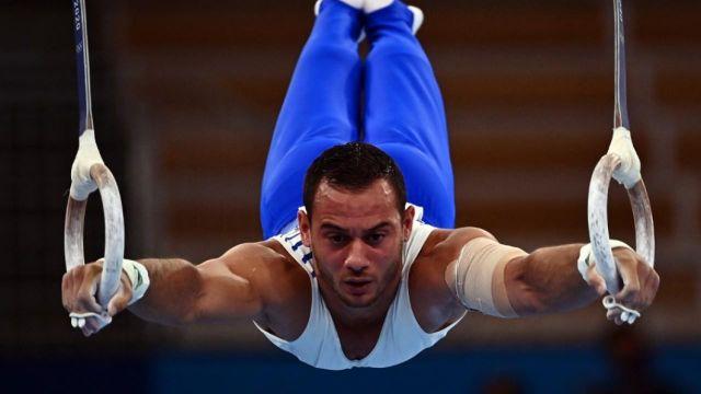 Samir Aït Saïd échoue au pied du podium dans l'épreuve d'anneaux. La note de 14.900 ne permet pas au porte-drapeau d'accrocher une médaille. Le Grec Eleftherios Petrounias lui prend la 3e place dans la foulée.