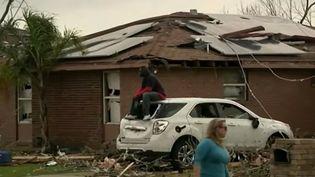 Les dégâts sont impressionnants, mais la tornade, aussi violente soit elle, n'a pas fait de morts en Louisiane (États-Unis). (France 2)