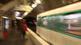Un homme est mort poignardé samedi 25 août 2018 dans le métro parisien. (JOEL SAGET / AFP)