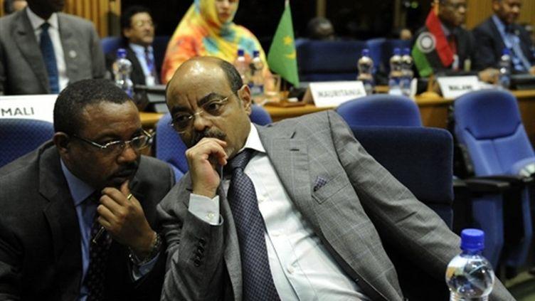 Au centre, le président éthiopien Meles Zenawi au pré-sommet de l'UA (29 janvier 2011) (AFP/Tony KARUMBA)