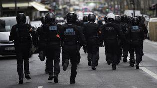 Intervention de forces de l'ordre dans le cadre d'unemanifestation contre la loi de sécurité globalele samedi 30 janvier 2021 à Paris. (ESTELLE RUIZ / HANS LUCAS / AFP)