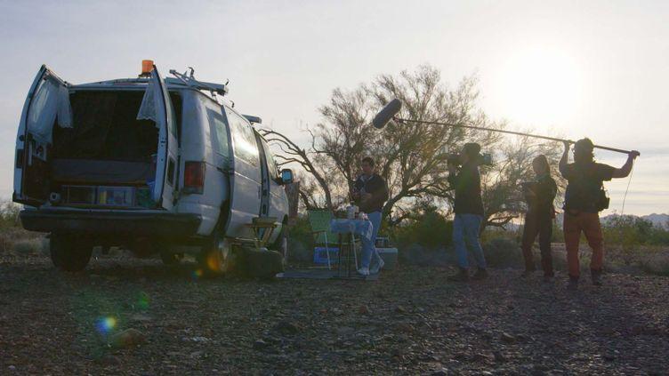 """Image du tournage du film """"Nomadland"""", élumeilleur film de l'année par l'association des producteurs d'Hollywood. (COURTESY OF SEARCHLIGHT PICTURES / ALLOCINÉ)"""