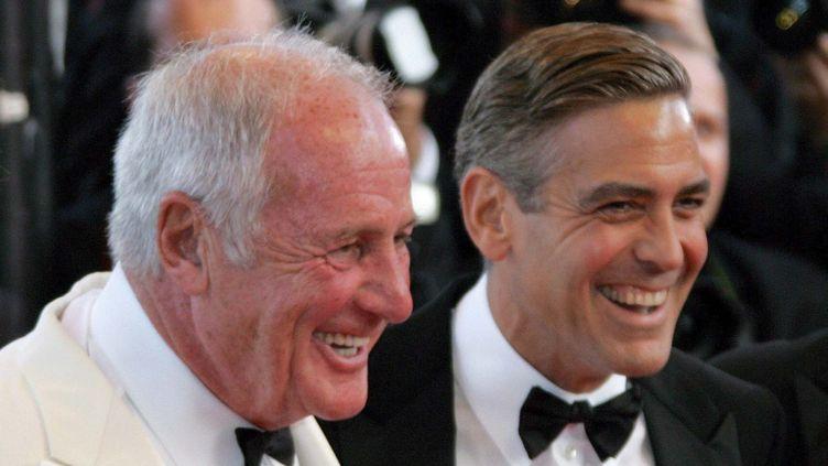 (Jerry Weintraub, au Festival de Cannes 2007, aux côtés de Georges Clooney © MAXPPP)