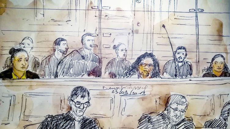 Un dessin d'audience montrant Ines Madani et Ornella Gilligmann dans le box des accusés, le 23 septembre 2019 à Paris (BENOIT PEYRUCQ / AFP)