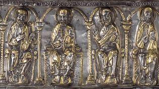 Châsse de saint Sigismond et de ses enfants (détail), vers 1160 etpremier quart du XIIIe siècle,Abbaye de Saint-Maurice d'Agaune  (Trésor de l'Abbaye de Saint-Maurice. Photo Nathalie Sabato)
