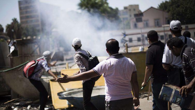 """Les pro-Morsi ont appelé à manifester en masse """"pacifiquement"""" pour cette journée intitulée """"vendredi du refus"""", au Caire(Egypte), le 5 juillet 2013. (MANU BRABO / AP / SIPA )"""