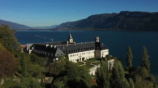 L'abbaye d'Hautecombe abrite la nécropole des princes de Savoie et les derniers rois et reines d'Italie. (France 2)