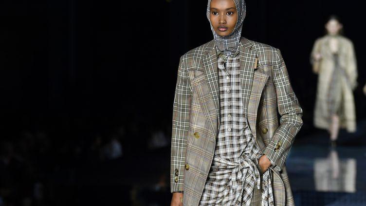 Défilé Burberry automne-hiver 2020 à la London Fashion Week, le 17 février 2020 (BEN STANSALL / AFP)