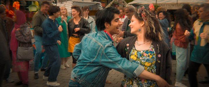 Nell Williams et Viveik Kalra dans Music of My Life, interprètent Javed et Eliza.  (WARNER BROS. ENTERTAINMENT)