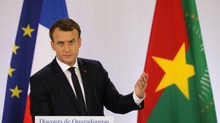 Emmanuel Macron lors d'un discours face à des étudiants à l'université de Ougadougou, au Burkina-Faso, le 28 novembre 2017. (LUDOVIC MARIN / AFP)