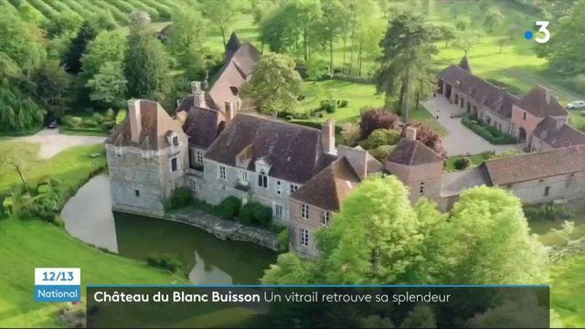 Eure : le vitrail d'un château du XIIe siècle retrouve sa splendeur
