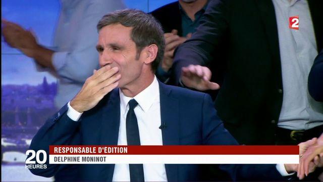 """VIDEO. """"Ça a été un immense honneur de vous accompagner"""" : regardez les adieux de David Pujadas lors de son dernier """"20 heures"""" sur France 2"""