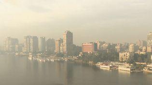 La ville du Caire (Égypte) étouffée par la pollution. (FRANCE 2)