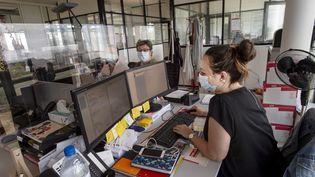 Le port du masque en open space obligatoire à partir du 1er septembre. Ici, les bureaux d'Abalanone Group à Saint-Herblain. (OLIVIER LANRIVAIN / MAXPPP)