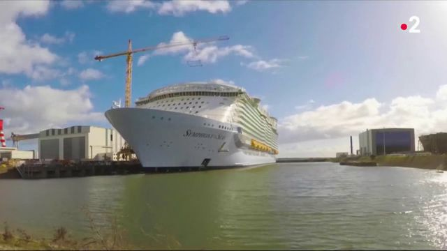 Saint-Nazaire : le plus grand paquebot du monde prend le large