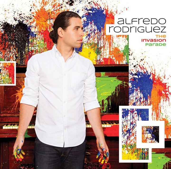 "L'album ""The Invasion Parade"" est sorti le 17 mars 2014 chezMack Avenue Records  (Miguel Elizalde)"