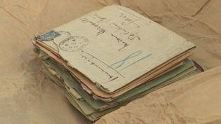 Deslettres de la Seconde Guerre mondiale retrouvées dans un coffre-fort. (CAPTURE ECRAN FRANCE 2)