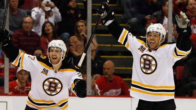 Les Bruins Jarome Iginla et Dougie Hamilton (GREGORY SHAMUS / GETTY IMAGES NORTH AMERICA)