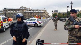 Agression à la préfecture de police de Paris : bâtiment de la Préfecture de police de Paris vu depuis le pont Notre-Dame. 3 octobre 2019. (CORINNE AUDOUIN / RADIOFRANCE)