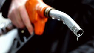 Les tarifs de l'essence et du diesel ont frôlé leur record, la semaine dernière. (PHILIPPE HUGUEN / AFP)