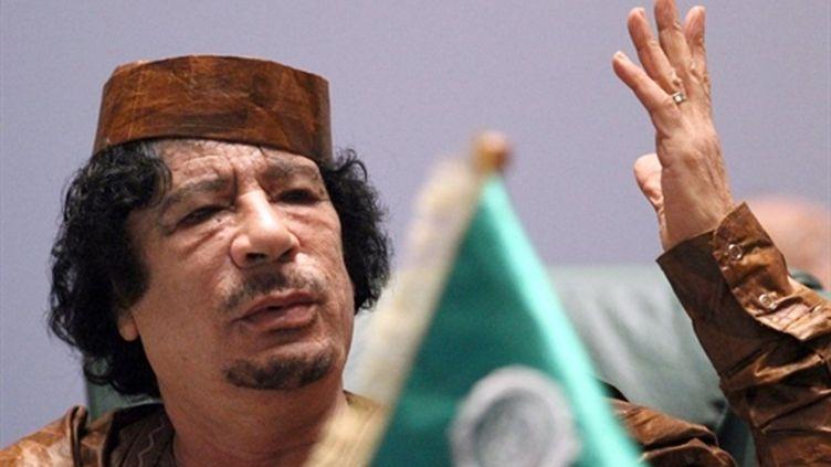 """Le """"Guide suprême"""" libyen, Mouammar Kadhafi (10-10-2010) (AFP - KHALED DESOUKI)"""