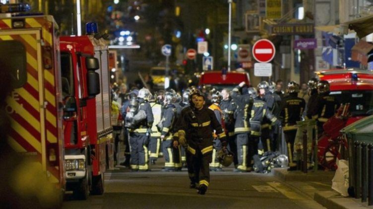 Intervention des pompiers Cité du Labyrinthe (14/04/2001) (France 3)