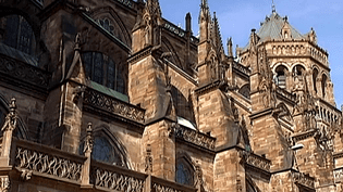 La cathédrale de Strasbourg au soleil levant  (France 2 )