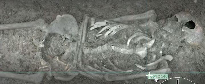 Un squelette de 2300 ans découvert en Savoie (Capture d'écran)