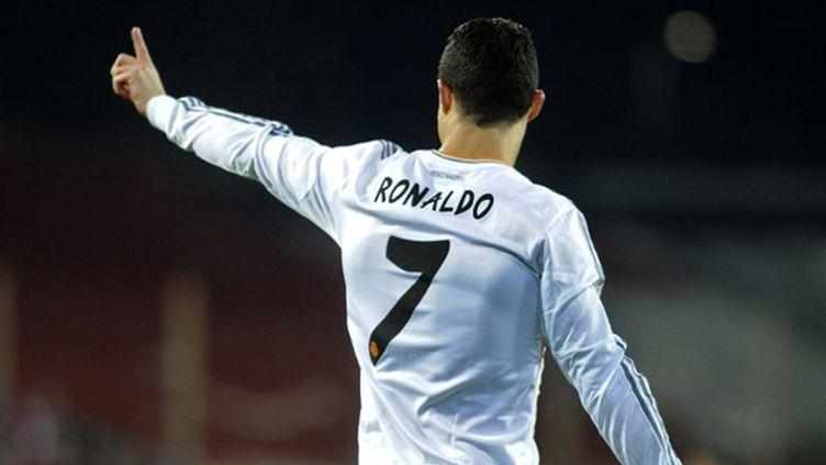 Ronaldo (Real Madrid) conteste une décision de l'arbitre (ANDER GILLENEA / AFP)