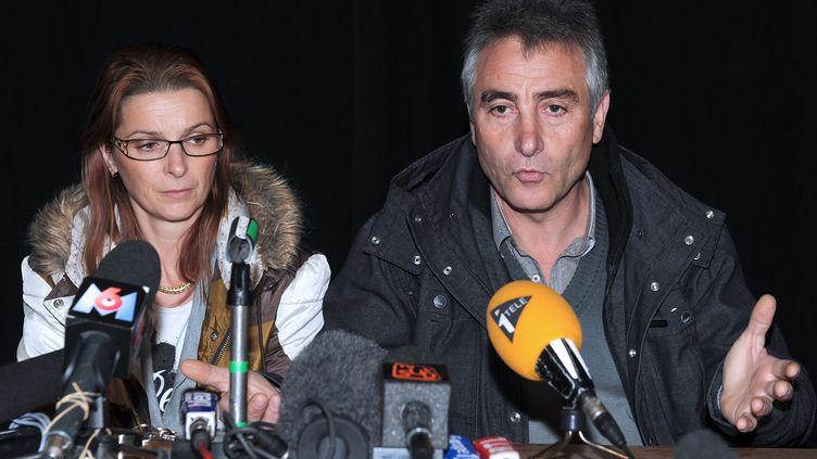 Violette et Jesus Rodriguez, les parents de Chloé, le 17 novembre 2012. (PASCAL GUYOT / AFP)