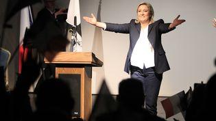 Marine Le Pen lors d'un meeting pour les élections régionales à Ajaccio (Corse), le 28 novembre 2015. (PASCAL POCHARD CASABIANCA / AFP)