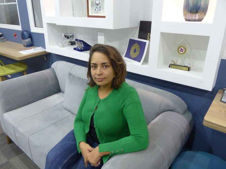 Nesrine Jelalia, directrice de l'ONG Al Bawsala, le 11 octobre 2019 à Tunis. (FTV - Laurent Ribadeau Dumas)