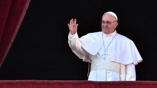 Le pape François à la basilique Saint-Pierre, le 25 décembre 2015. (VINCENZO PINTO / AFP)