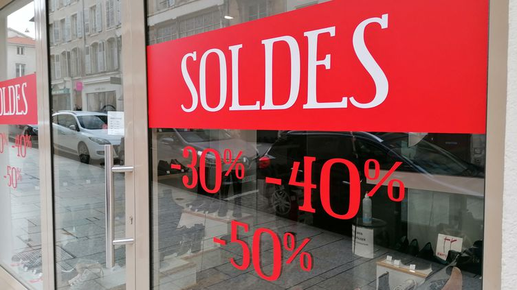 La vitrine d'un magasin à Nancy (Meurthe-et-Moselle). (ROMAIN BERCHET / FRANCE-BLEU SUD LORRAINE / RADIO FRANCE)