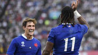 La joie des rugbymen français, le 6 octobre 2019 àKumamoto(Japon), après leur victoire contre les Tonga. (CHRISTOPHE SIMON / AFP)