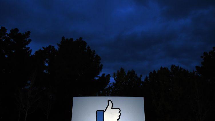 Le siège de Facebook à Menlo Park, en Californie (Etats-Unis), le 21 mars 2018. (JOSH EDELSON / AFP)