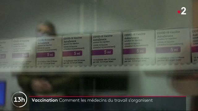 Covid-19 : les médecins du travail pourront vacciner les salariés