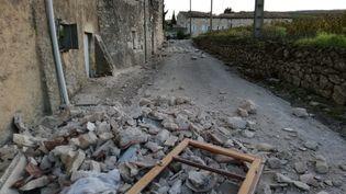 Dégâts dans la commune du Teil (Ardèche), hameau de la Rouvière, en raison d'un séisme survenu le 11 novembre 2019. (FRANÇOIS BRETON / RADIOFRANCE)