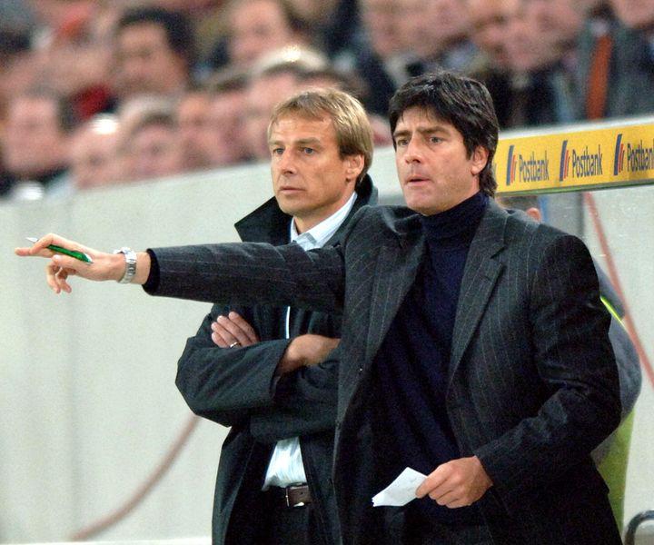 Joachim Löwlorsqu'il était assistant dusélectionneur allemand Jürgen Klinsmann, lors d'un match amical de l'Allemagne contre l'Argentine, le 9 février 2005 (OLIVER BERG / DPA)