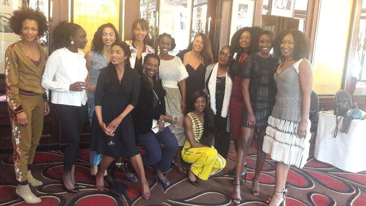 """Les co-auteures de """"Noire n'est pas mon métier"""", mercredi 2 mai à Paris pour la présentation de leur livre. (SANDRINE ETOA-ANDEGUE / FRANCEINFO)"""