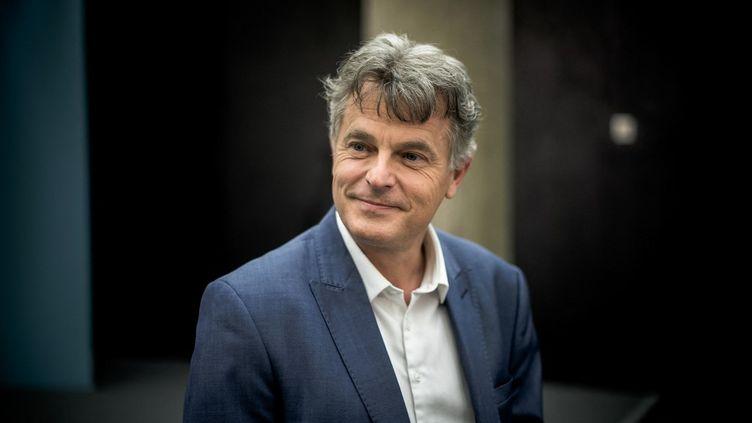 Le secrétaire du Parti communiste, Fabien Roussel, le 11 mai 2021 au siège du parti à Paris. (ARTHUR NICHOLAS ORCHARD / HANS LUCAS / AFP)