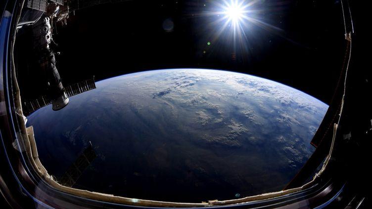 Photode la Terre prise depuis la Station spaciale internationale (image d'illustration). (NICK HAGUE / AFP)