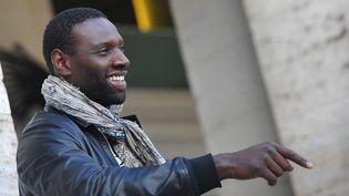L'acteur Omar Sy en promotion du film De l'autre côté du périph,le 21 mars à Rome (Italie). (TIZIANA FABI / AFP)