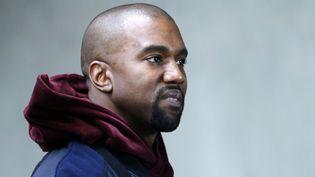 Le rappeur américain Kanye West à la Fashion Week de Paris (France), le 21 novembre 2016. (GUILLAUME HORCAJUELO / EPA FILE / MAXPPP)