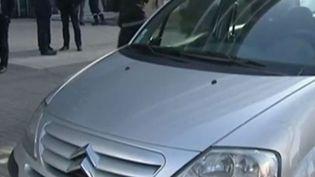 Dans les Hauts-de-France, pour relancer l'emploi, la Région loue une voiture aux chômeurs qui retrouvent un travail, pour deux euros par jour. (FRANCE 2)
