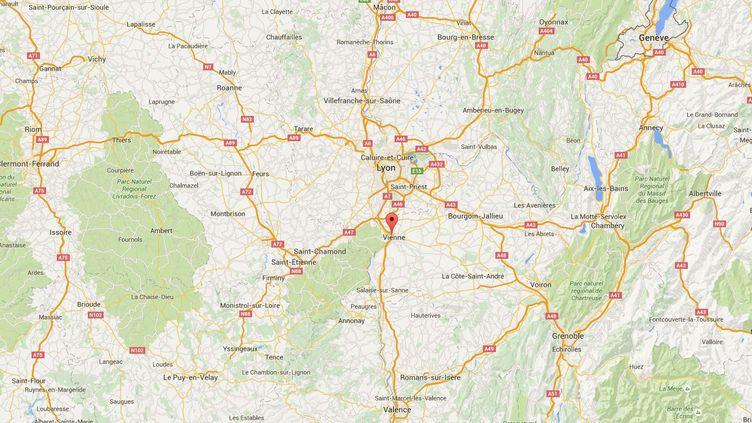 Unefillette a été contrôlée au volant d'une voiture près de Saint-Romain-en-Gal (Rhône), le 23 janvier 2016. (GOOGLE MAPS)